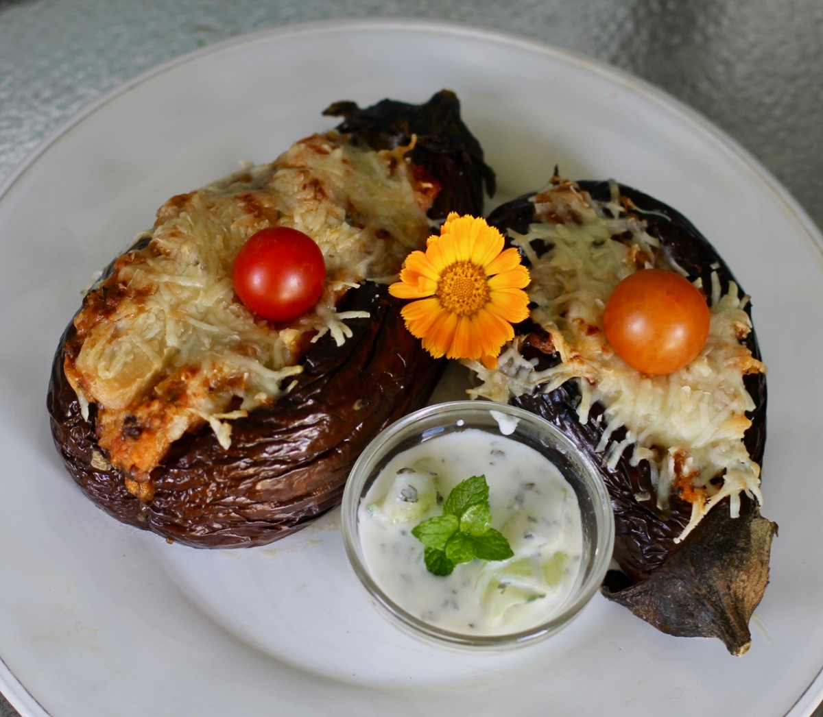 Turkish stuffed eggplants with lamb (Karni Yarik)