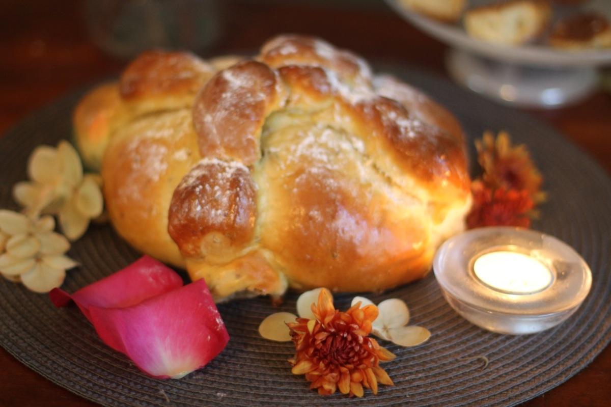 Pan de Muerto (Day of the deadbread)